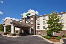 Exterior of Holdiay Inn Express hotel in Apex, NC