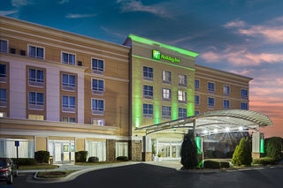 Full-service hotel near Fort Gordon