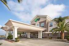 The New Contemporary Holiday Inn Express & Suites