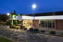 Hotel exterior of the Holiday Inn Coventry M6 J2