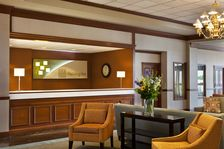 Front desk – the start to a great stay.