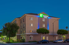 Holiday Inn Express & Suites LAX Hotel Exterior
