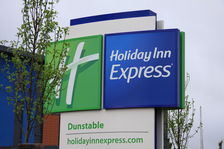 Holiday Inn Express Dunstable Hotel Lobby