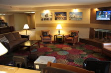 Lobby Area - Holiday Inn Express - Milwaukee West