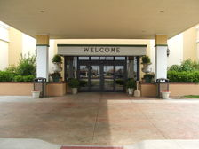 Welcome to the Holiday Inn French Quarter in Perrysburg