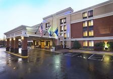 Our Reston, VA hotel offers free parking to our guests.
