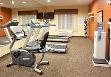 Fitness Center at Holiday Inn Express Willows, California
